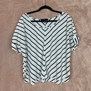 Kenneth Cole Short Sleeve Scoop Neck Top